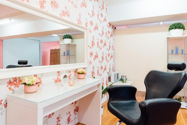 Glitzy Glam Salon